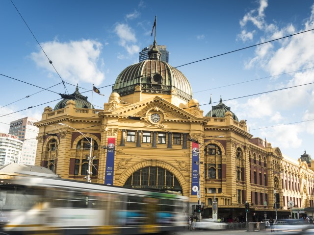 Flinders Street Station and traffic